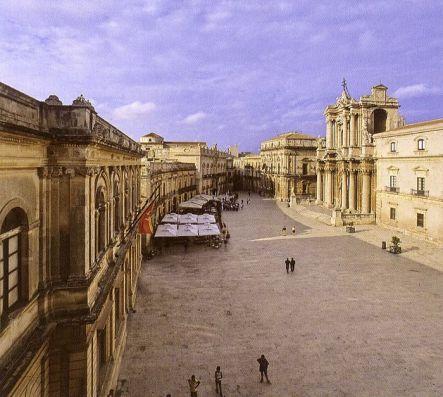 Siracusa:Ortigia-Piazza Duomo